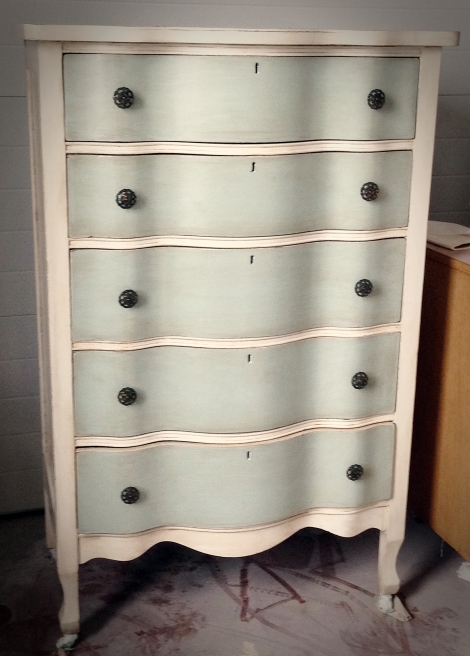Serpentine oak dresser_1